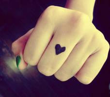 love fist. by crackedbliss