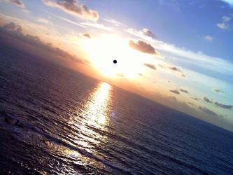 couche de soleil sur la mer by keuni