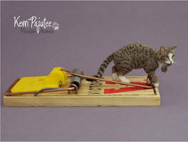 Miniature 1:12 Cat sculpture -- Mousetrap by Pajutee