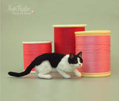 Little Ninja Miniature Cat Sculpture 1:12 by Pajutee