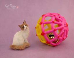 Miniature scale Cat Sculpture by Pajutee