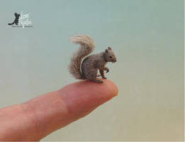 Miniature Grey Squirrel sculpture by Pajutee