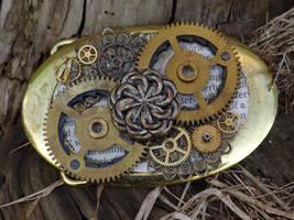Steampunk gold belt buckle by Hiddendemon-666