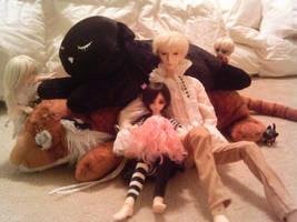 Comfy Pile O' Kitties by tirsden