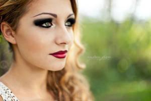 Red lips, Black Eyes by ShadowsOfTheDay