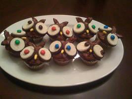 Owl cupcakes by tashinha