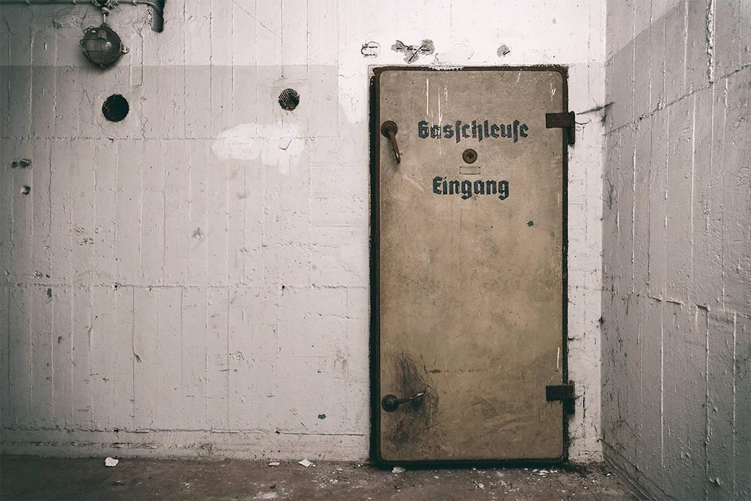 Gasschleuse Luftschutzbunker by FotoRuina
