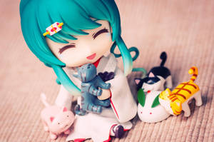 She loves kitties too! by Etherien
