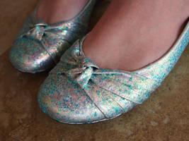 DIY Glitter Shoes by aimeekitty