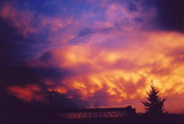 Thunderstorm over Hurricane by Katzilla13
