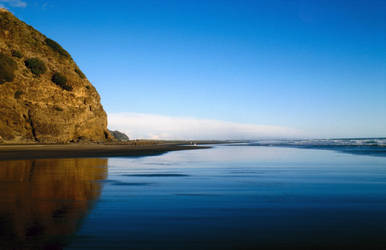 Karekare Beach - New Zealand by Katzilla13