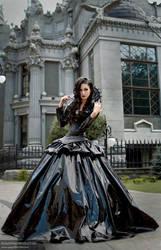 Queen by bellatrixaiden
