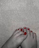 Happy feet by plain-kady