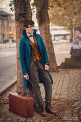 Newt Scamander Cosplay by Matteleven