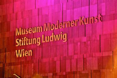 Modern Art by jakobdenk