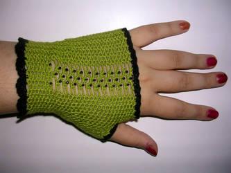 Crocheted gloves by annikatheman