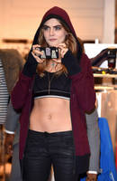 Cara Delevingne belly button by bellybuttonfan