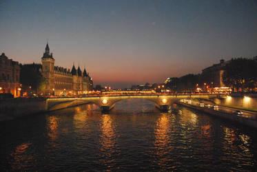 bridge of Paris by josselin94