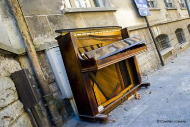 Piano by josselin94
