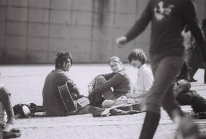 Two guitarist at Beaubourg by josselin94