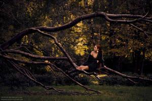 Autumn Alice by IrisErelar
