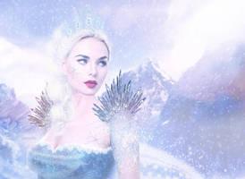 Snow Queen by joyamelie