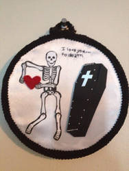 I love you to death - Embroidery hoop by CutieCornerCrafts