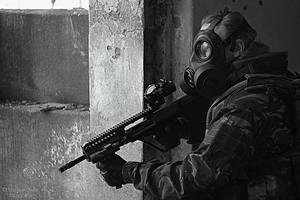 Stalker with gun, uniwersum metro by laluna19