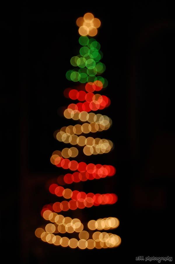 Bokeh Christmas Tree by z3LLLL