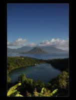 Ngade Lake by fhayz