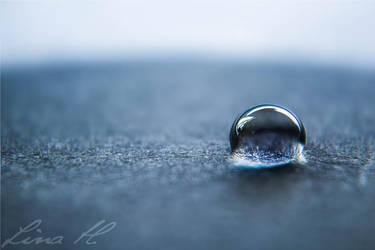 Blue Drop by Desighty