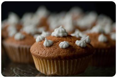 Cupcakes II by Skrzynia