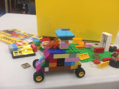 A turret mounted LEGO car by Cutiesaurs