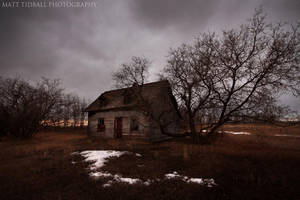 Abandoned House - Hwy 831 by mattTIDBALL