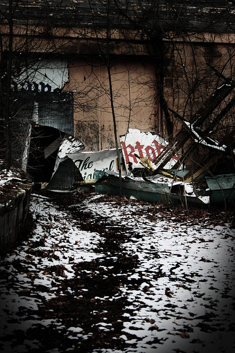 abandoned park 07 by aeiryn
