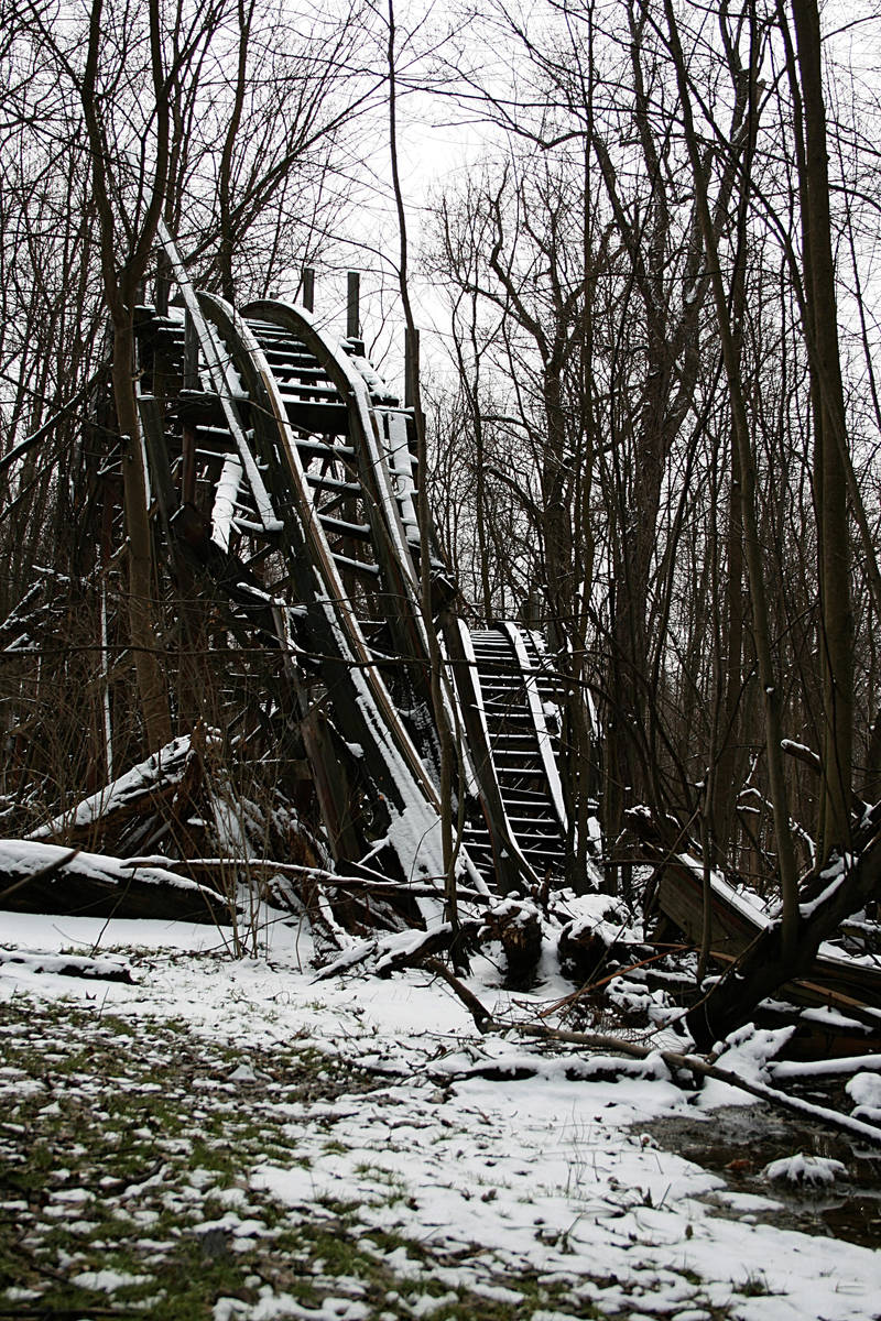 abandoned park 10 by aeiryn