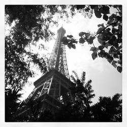 Eiffel Tower by todo-mahem