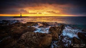 Horizon on fire by Lidija-Lolic