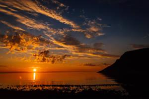Lofoten sunset by mabuli