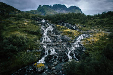 Lofoten waterfall by mabuli