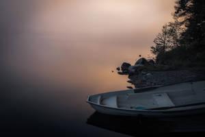 Boat in mist by mabuli