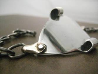 Grilo Metal Art Bracelet by metaltamer