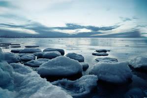 Winter by Th3Un1qu3