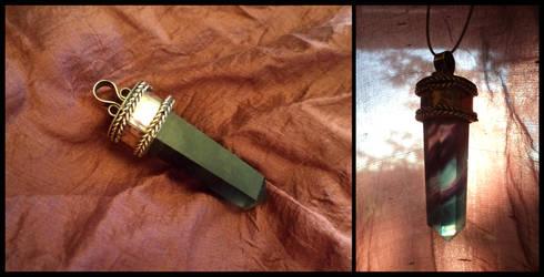 Quartz pendant by UEdkaFShopie