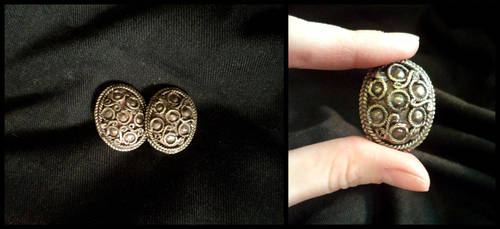 Tiny brooches by UEdkaFShopie