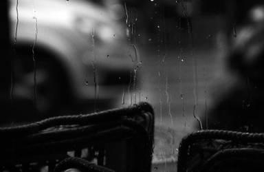Terasse sous la pluie by Orioto