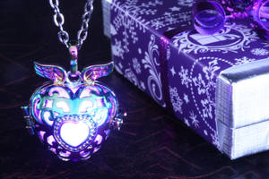 Magical glowing heart pendant by CatherinetteRings