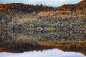 Mirror Mirror by Lain-AwakeAtNight