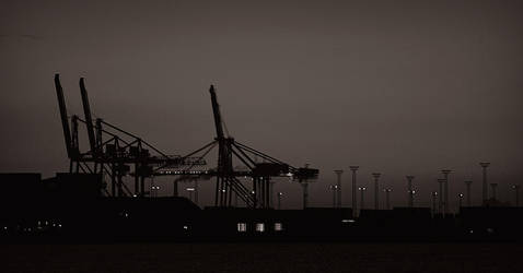 Aarhus harbour early morning by ploftdk