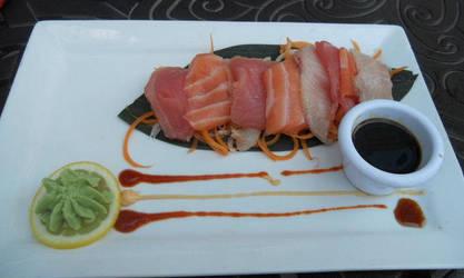 Sashimi by nosugarjustanger